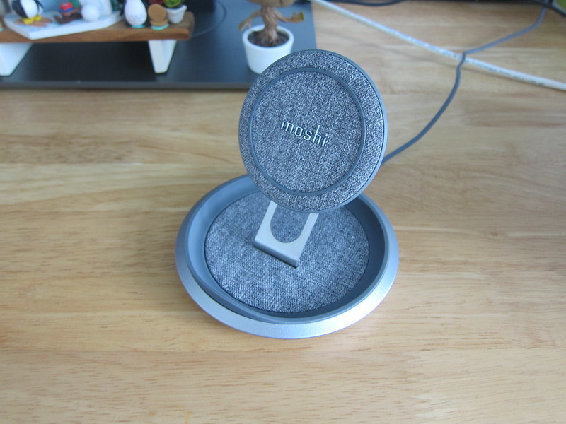 Moshi Lounge Q Wireless Charging Stand - Wooden Table