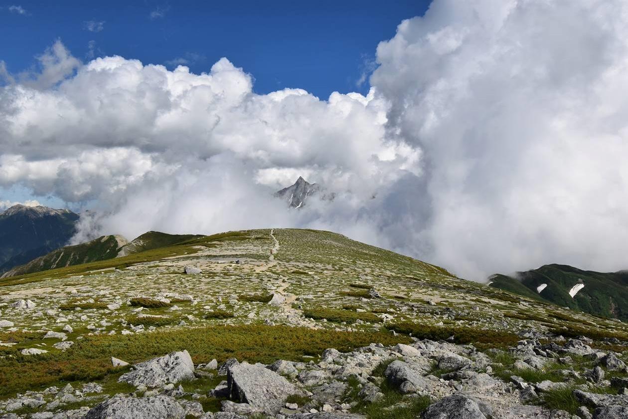 北アルプス・双六岳からの槍ヶ岳