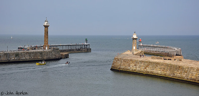 Harbour entrance, Whitby (North Yorkshire)