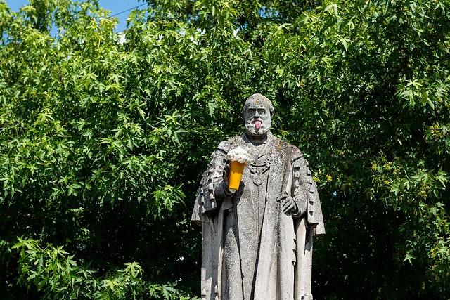 Statue in Kings Lynn - Photo Banksy.co.uk