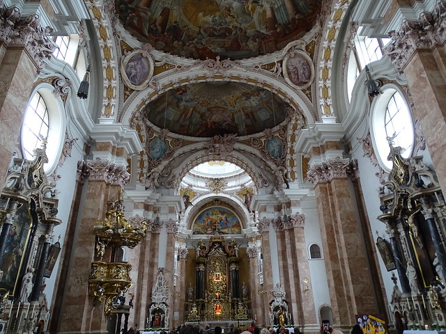 Altar Mayor interior Catedral de Santiago Innsbruck Austria 01