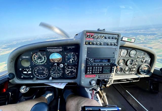 DV20 Katana Cockpit - 'OE-AGX'