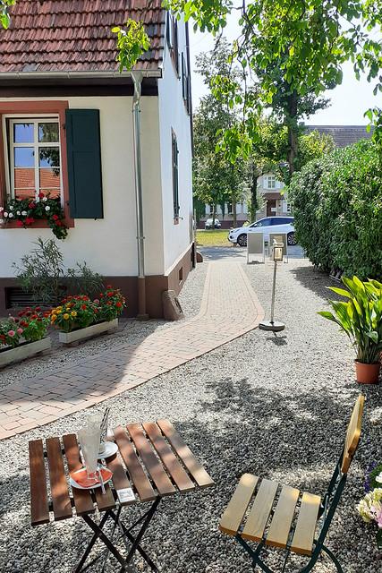 August 2021 ... Landcafé Walnuss in Heidelberg-Grenzhof_Brigitte Stolle