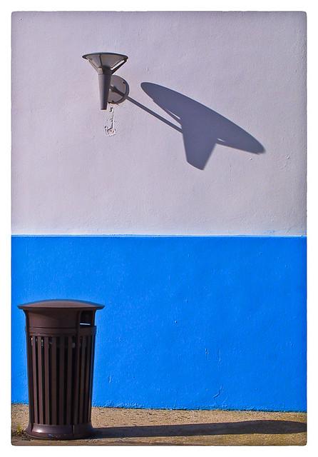 Lámpara Y Sombra (Lamp & Shadow)