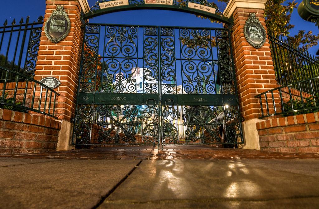 Haunted Mansion gates night DL