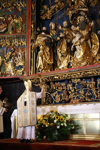 Odpust Wniebowzięcia NMP w Bazylice Mariackiej i poświęcenie odnowionego Ołtarza Mariackiego 15.08.2021 r.