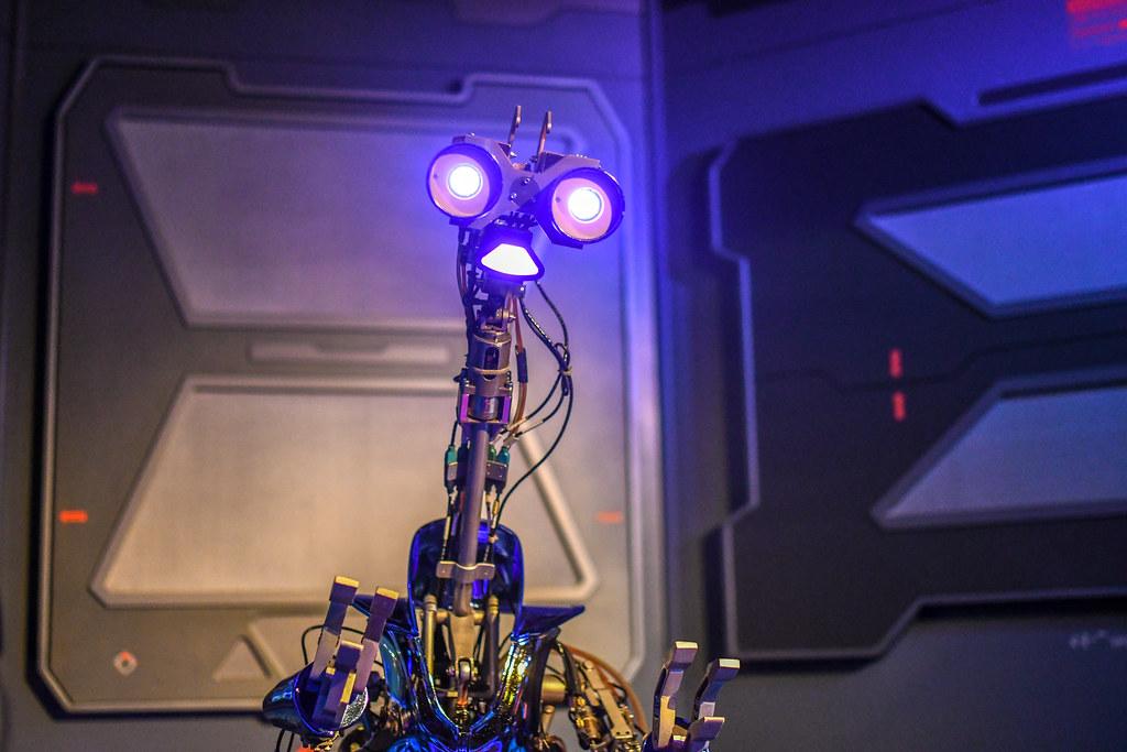 Star Tours G2-9T droid DL