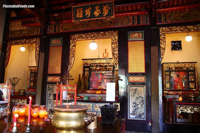 snake temple penang