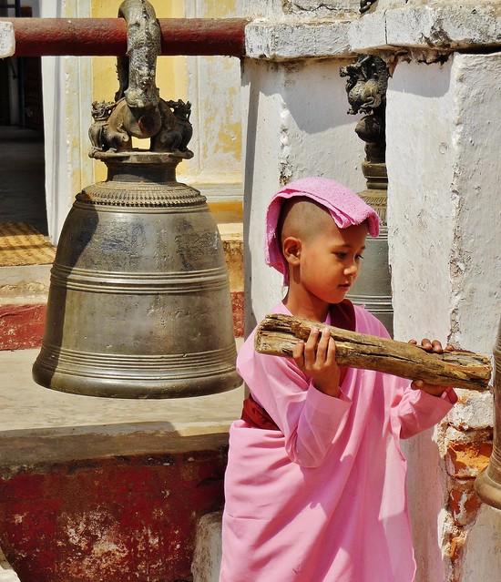 MYANMAR, Burma - Bagan-Nyaung U ,rund um die Shwezigon-Pagode ,  Novizin,78429/13946