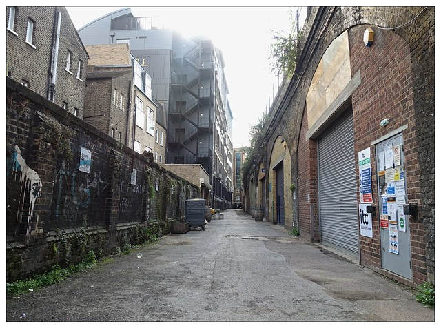 grotty back alley