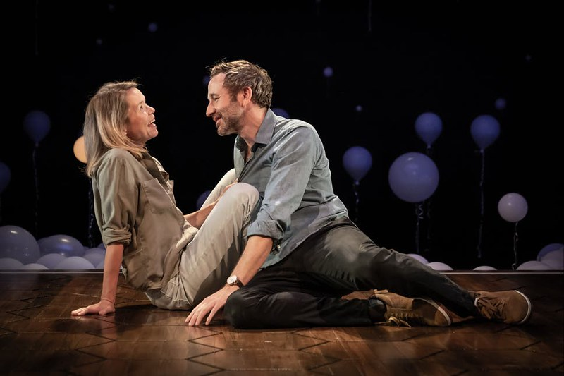 Anna20Maxwell20Martin20and20Chris20ODowd20in20Constellations20at20the20Vaudeville20Theatre2C20directed20by20Michael20Longhurst.20Photo20Marc20Brenner201239