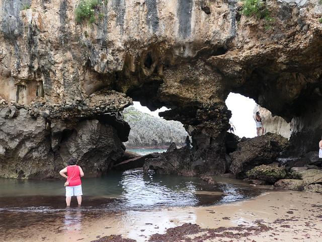 Playa de las Cuevas del Mar, Nueva (Asturias)