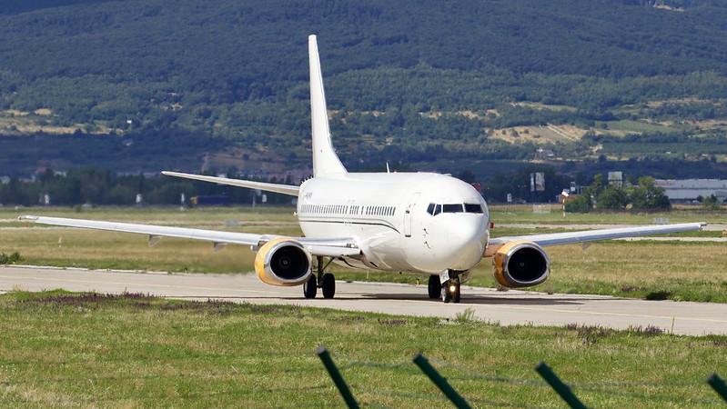 9H-MPW Air Horizont Boeing 737-484