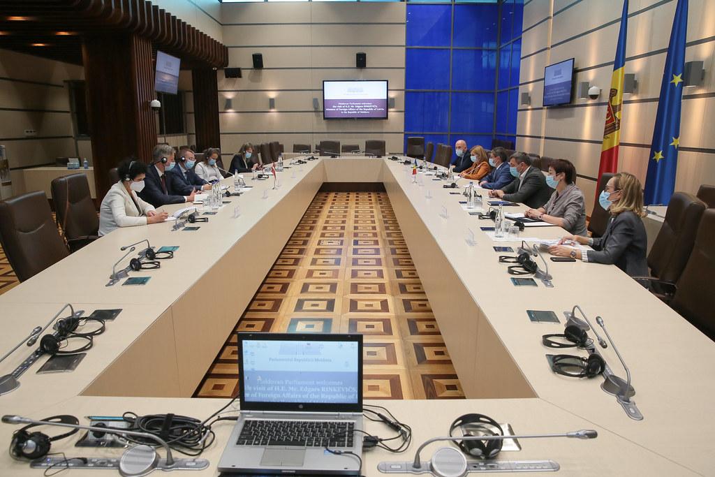 17.08.2021 Întrevederea Președintelui Parlamentului, Igor Grosu, cu Ministrul Afacerilor Externe al Republicii Letonia, Edgars Rinkevičs