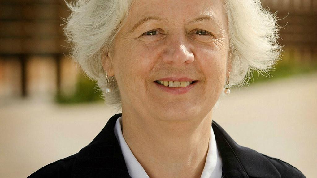 A photo of Professor Jane Millar