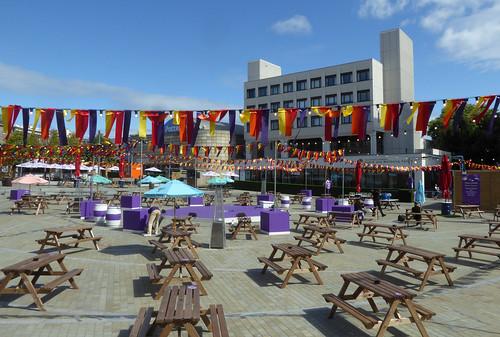 Edinburgh Festival Fringe Lite: Bristo Square
