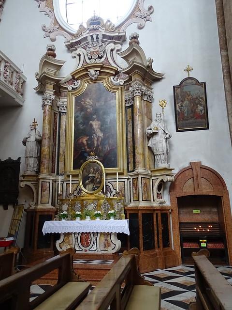 retablo capilla interior Catedral de Santiago Innsbruck Austria 07