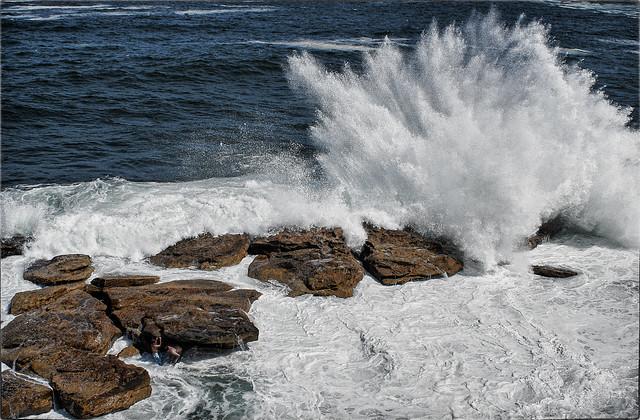 2 Boys vs Big Wave