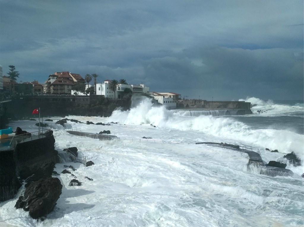 Temporal de mar en Puerto de la Cruz