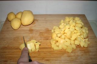 32 - Dice potatoes / Kartoffeln würfeln