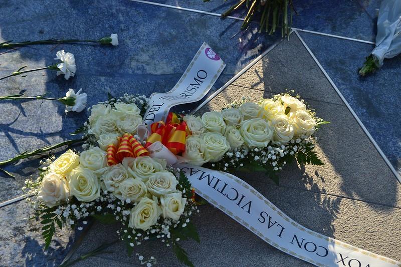 VOX y sus diputados catalanes recuerdan en Cambrils a las víctimas del 17A