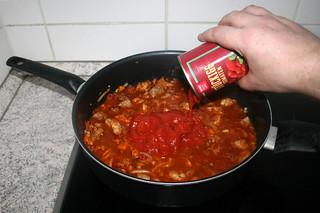 28 - Add tomatoes / Tomaten dazu geben