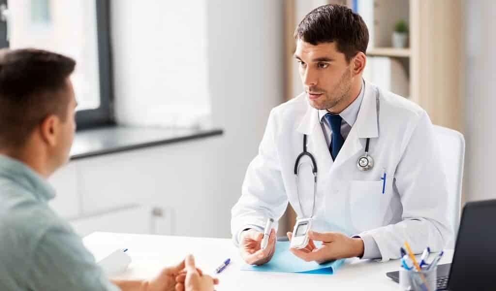 un-implante-diffuse-de-insuline-chez-les-gens-diabétiques