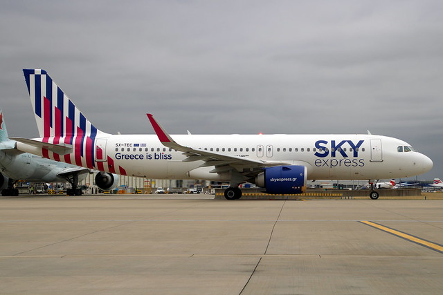 SX-TEC A320 9566 LHR 17-Aug-21