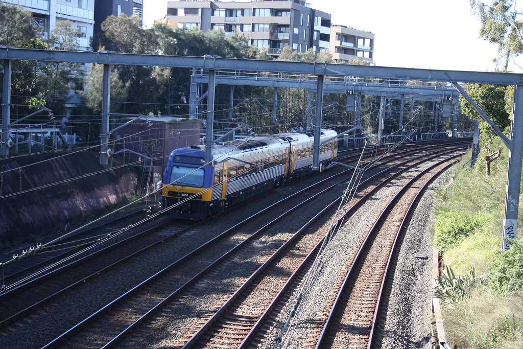 Up Bathrst Endeavour service approaching Homebush 6 July 2012.
