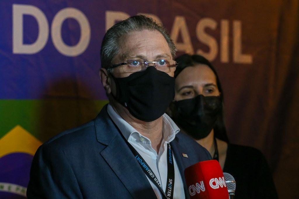 Chegada de insumos para produção da vacina do Butantan em Guarulhos