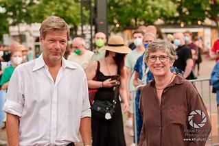 Robert und Britta am Siegfriedplatz in Bielefeld