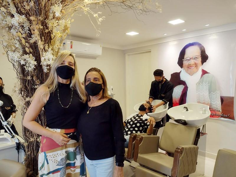 Salão de beleza expõe essência da feminidade e resgata a memória da matriarca da família Caxias