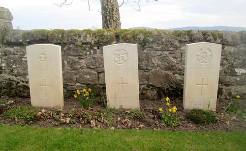 Three War Graves, Murie Cemetery, Errol