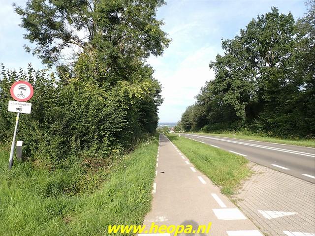 2021-08-15     dag 5  Rugzak - 10 - Daagse  Heuvelland (2)