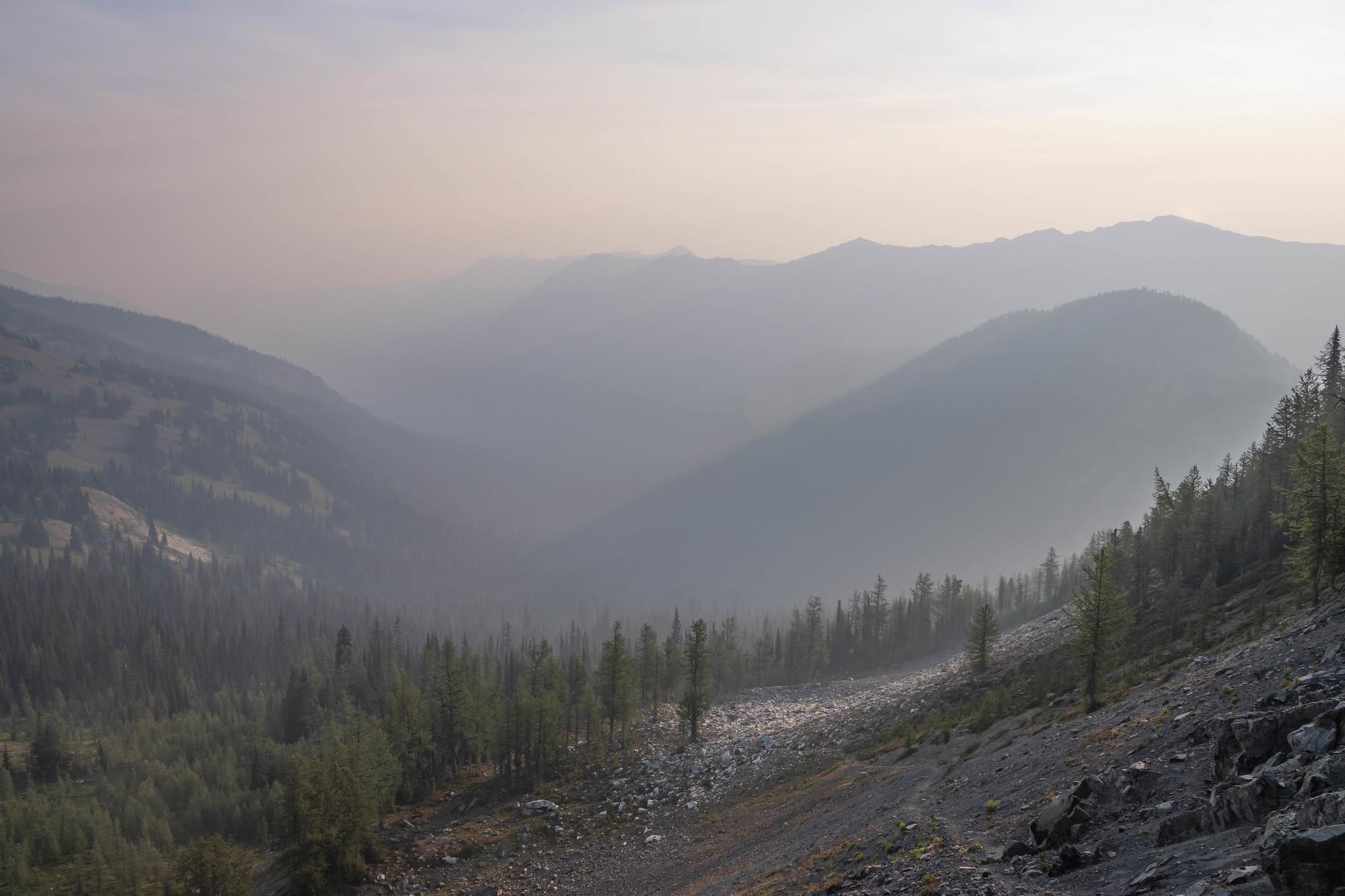 A hazy road to Pasayten Peak