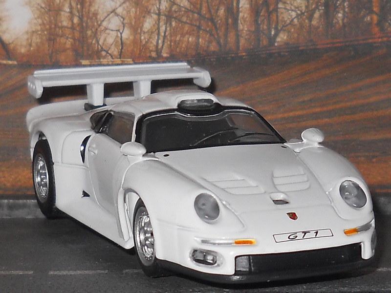 Porsche 911 GT1 – 1995