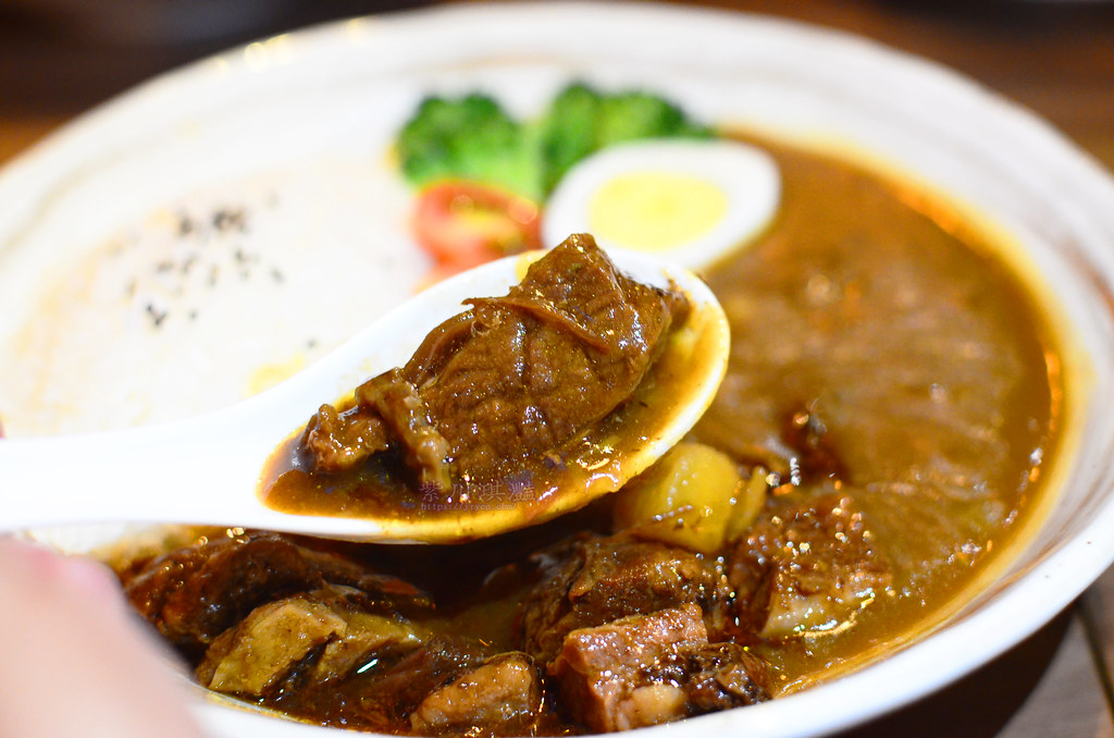 台中西區牛肉咖哩飯-0001