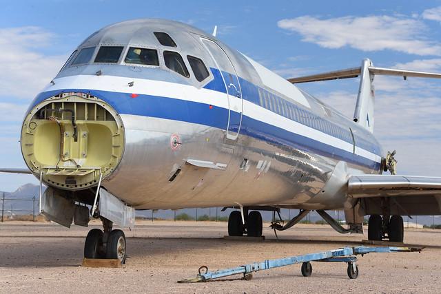 AA MD-82 N451AA at GYR (1)