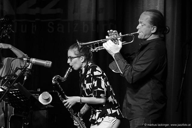 Lisa Hofmaninger: sax, bassklarinette / Lorenz Raab: flügelhorn, trumpet