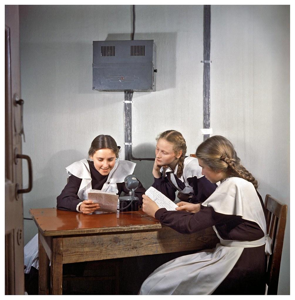 1953. Говорит школьный радиоузел. Фридлянд С.О.