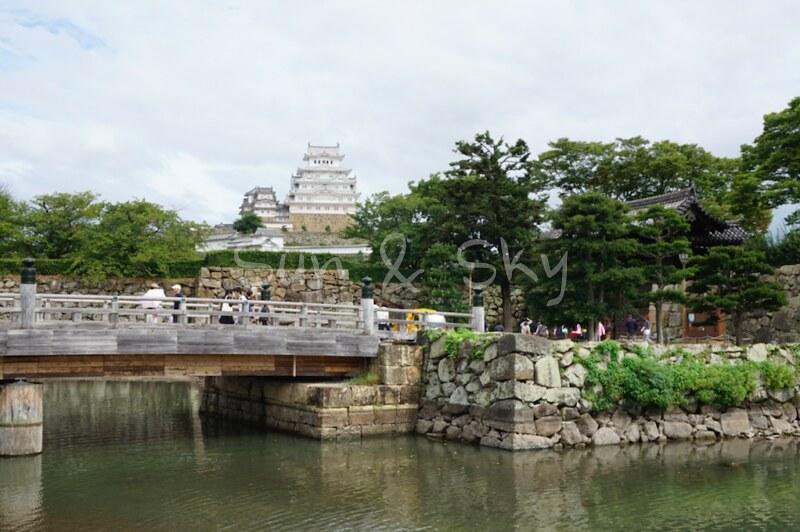 himeji-castle-from-road