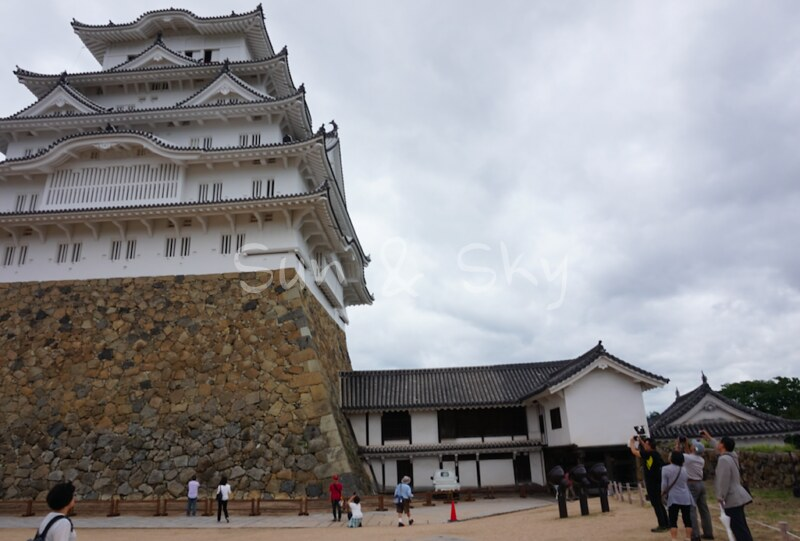 himeji-jo-from-the-ground