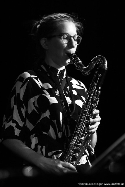 Lisa Hofmaninger: sax, bassklarinette8895