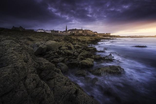 Saint-Malo se réveille et avec elle, les histoires de la Cité Corsaire