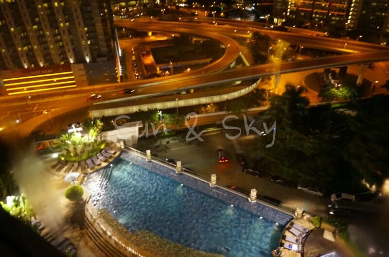 harbour-plaza-night