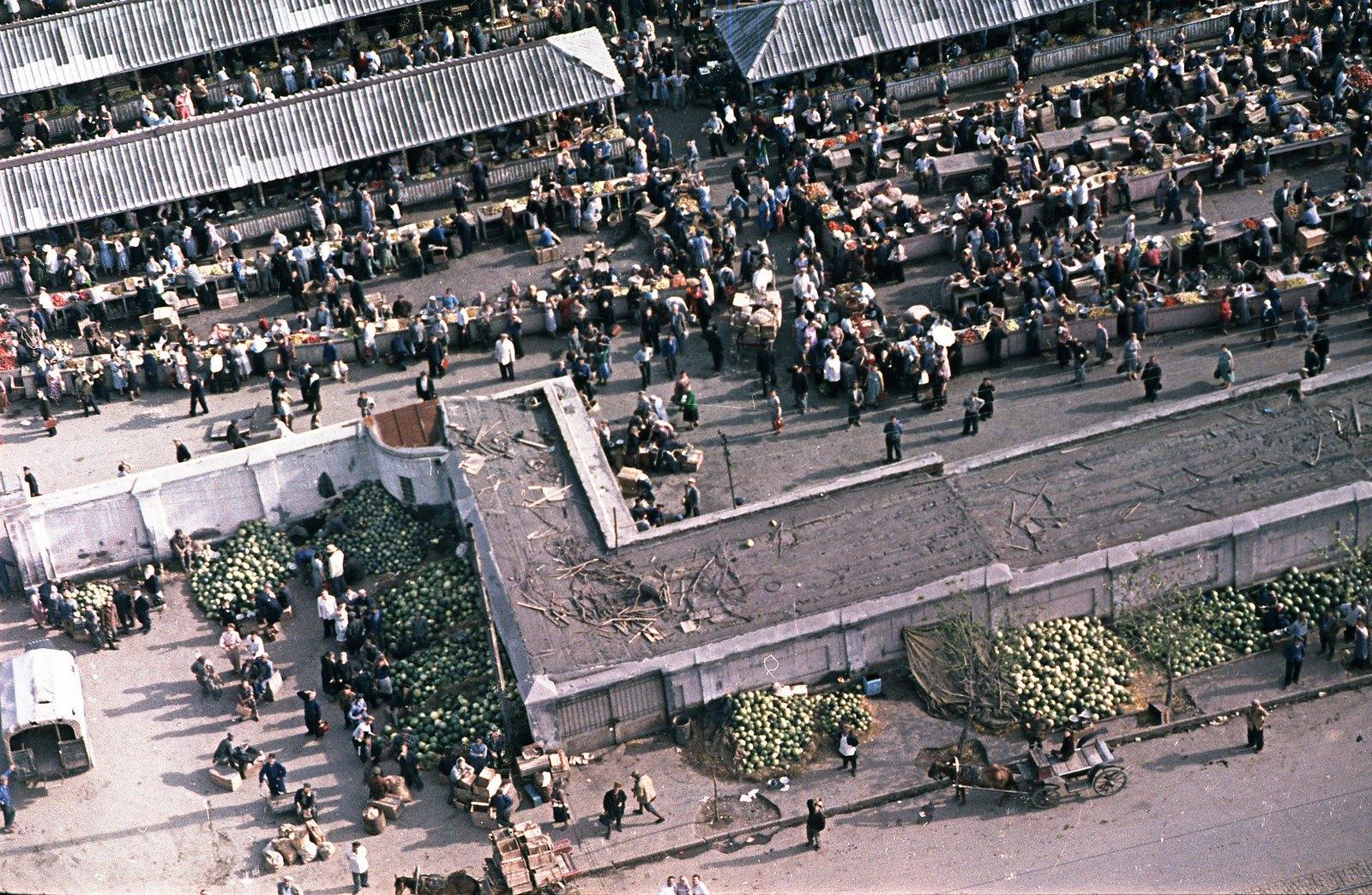 Тбилиси. Съёмка из вертолета. Рынок. сентябрь-октябрь
