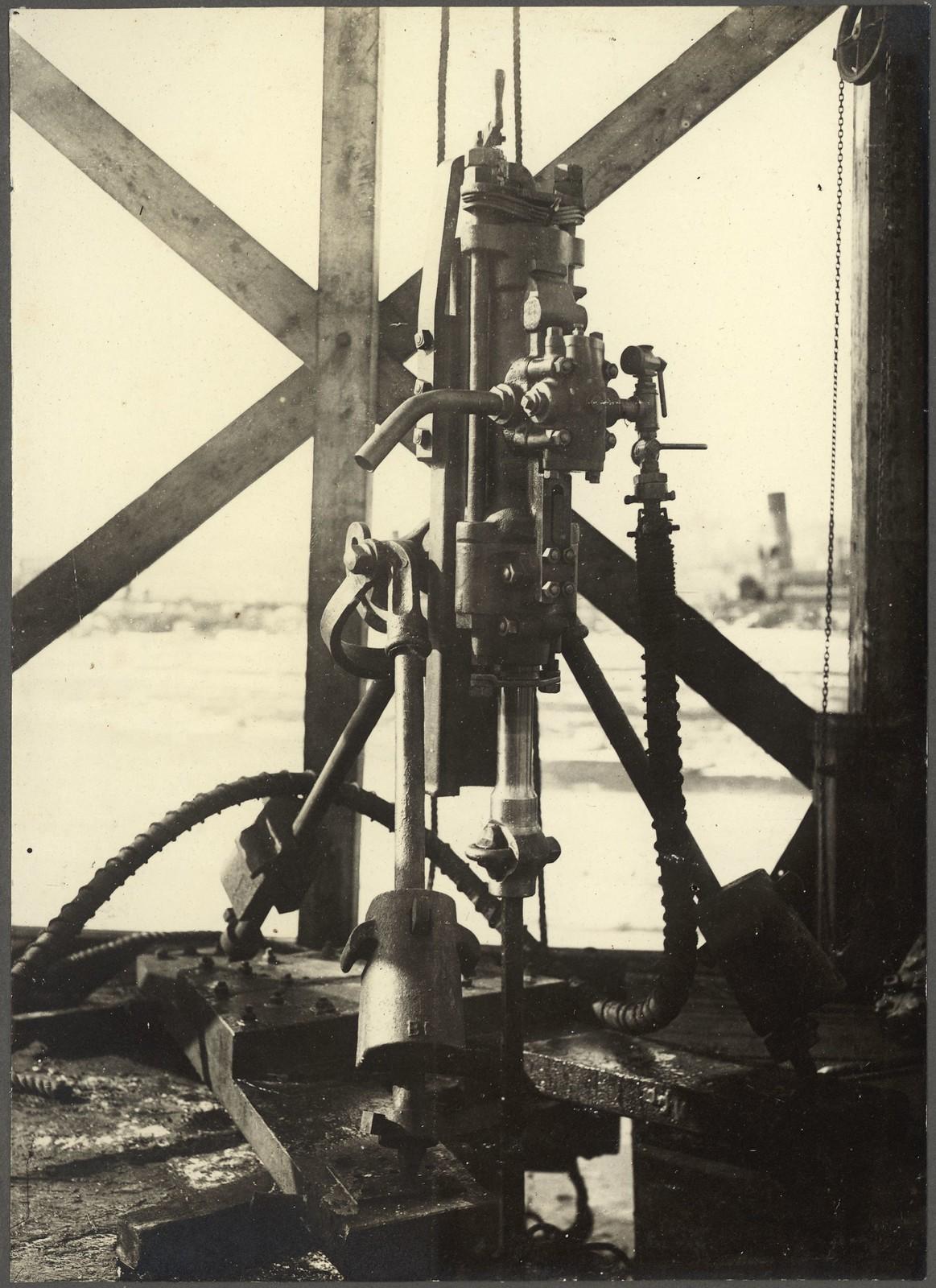 47. Перфоратор для подводного бурения