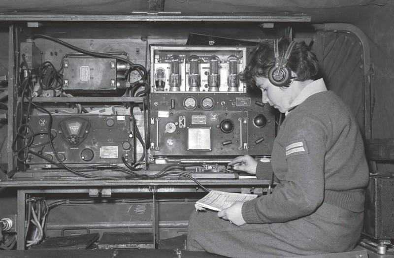 Radio-SCR-193-BC-191-BC-348-Rakash-110-1960s-q-70y-1
