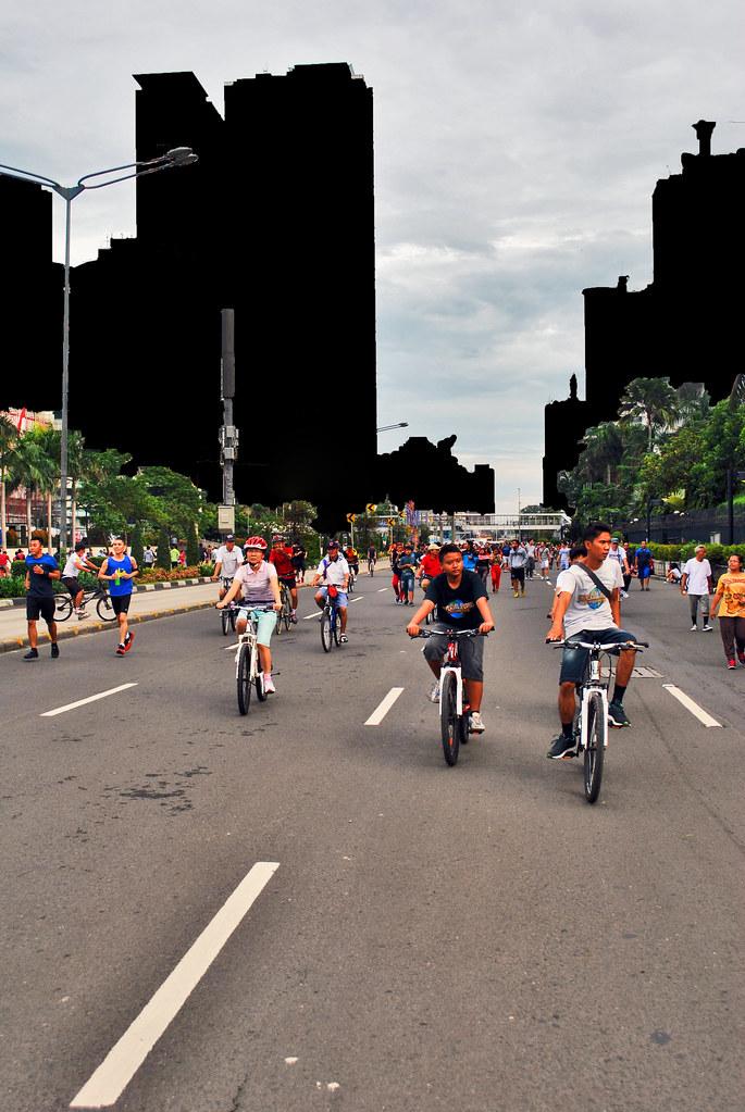 Orang Bersepeda. Yang dilihat oleh Wikimedia Commons