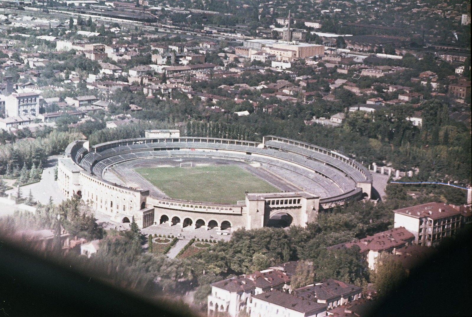 Тбилиси. Съёмка из вертолета. Стадион «Динамо». сентябрь-октябрь